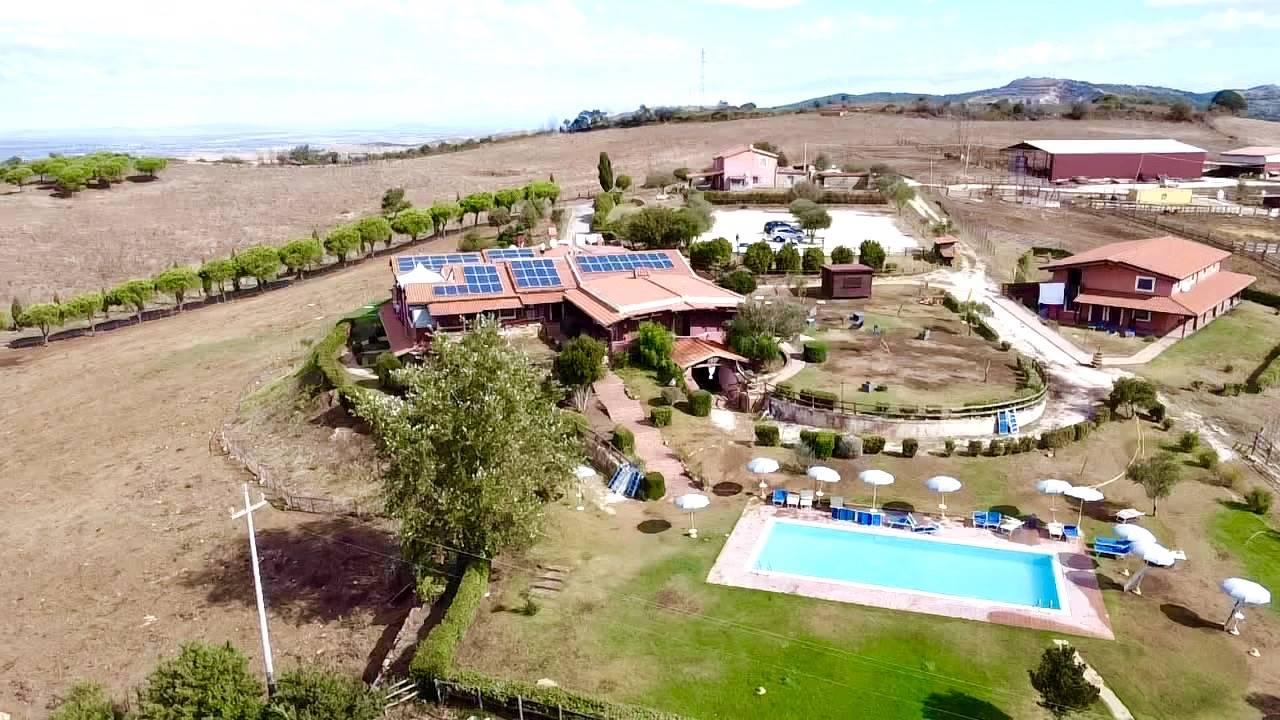 Soluzione Indipendente in vendita a Civitavecchia, 30 locali, Trattative riservate | CambioCasa.it