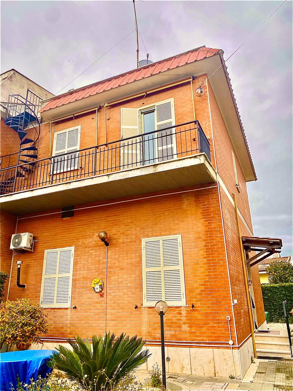 Villa in vendita a Santa Marinella, 5 locali, prezzo € 299.000 | CambioCasa.it