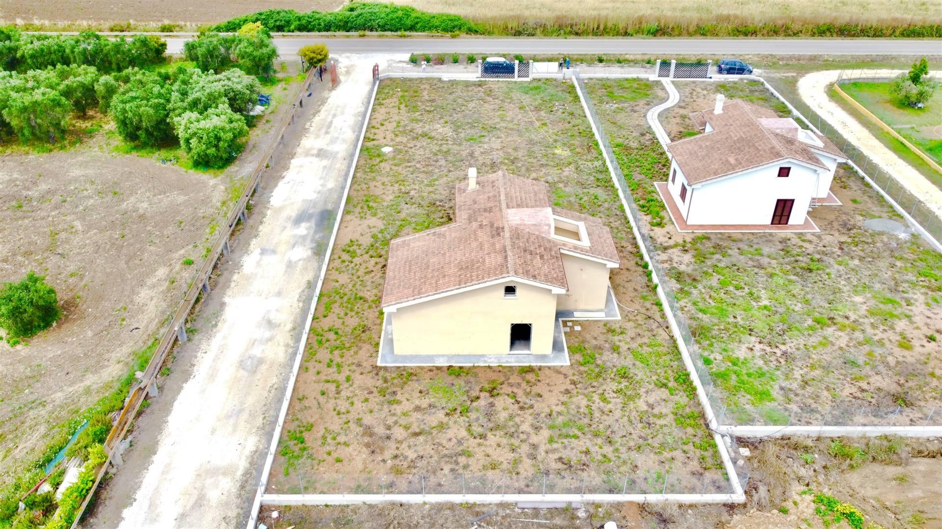 Villa in vendita a Civitavecchia, 7 locali, prezzo € 310.000 | CambioCasa.it