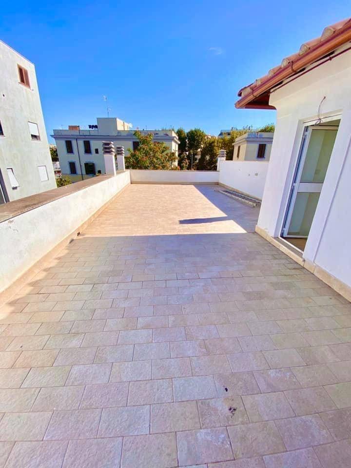 Appartamento in vendita a Civitavecchia, 4 locali, prezzo € 220.000 | CambioCasa.it