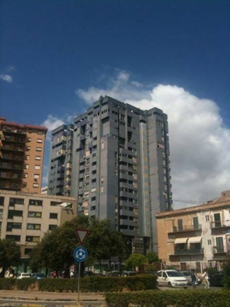 RESUTTANA, PALERMO, Ufficio in affitto di 30 Mq, Ottime condizioni, Riscaldamento Inesistente, Classe energetica: D, posto al piano 2° su 14,