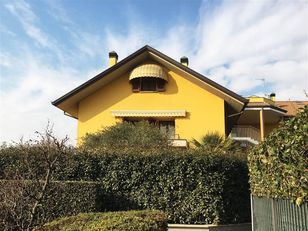 Appartamento indipendente in Giacomo Matteotti 9, Masate
