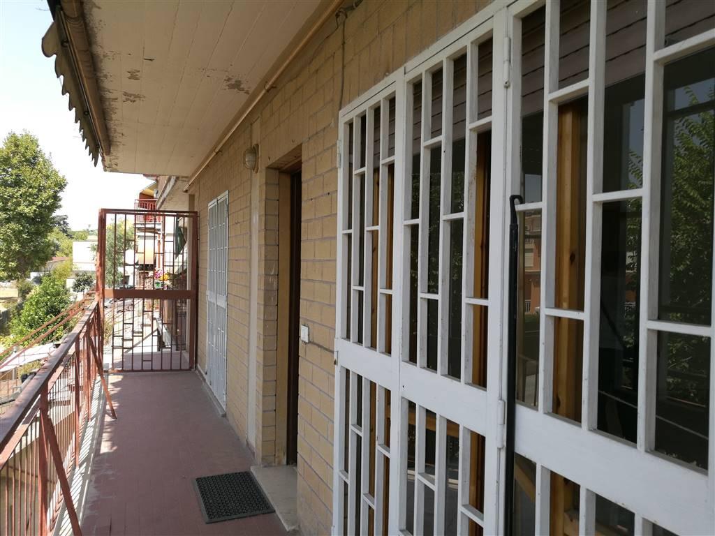 Bilocale in Via San Giuseppe Cafasso 29, San Basilio, Ponte Mammolo, Roma