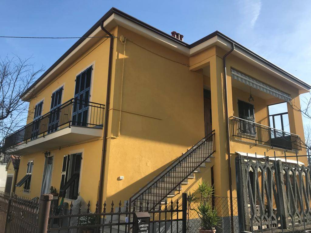 PIAN DI FOLLO, FOLLO, Independent Apartment for rent of 130 Sq. mt., Habitable, Heating Individual heating system, Energetic class: G, placed at 1°,