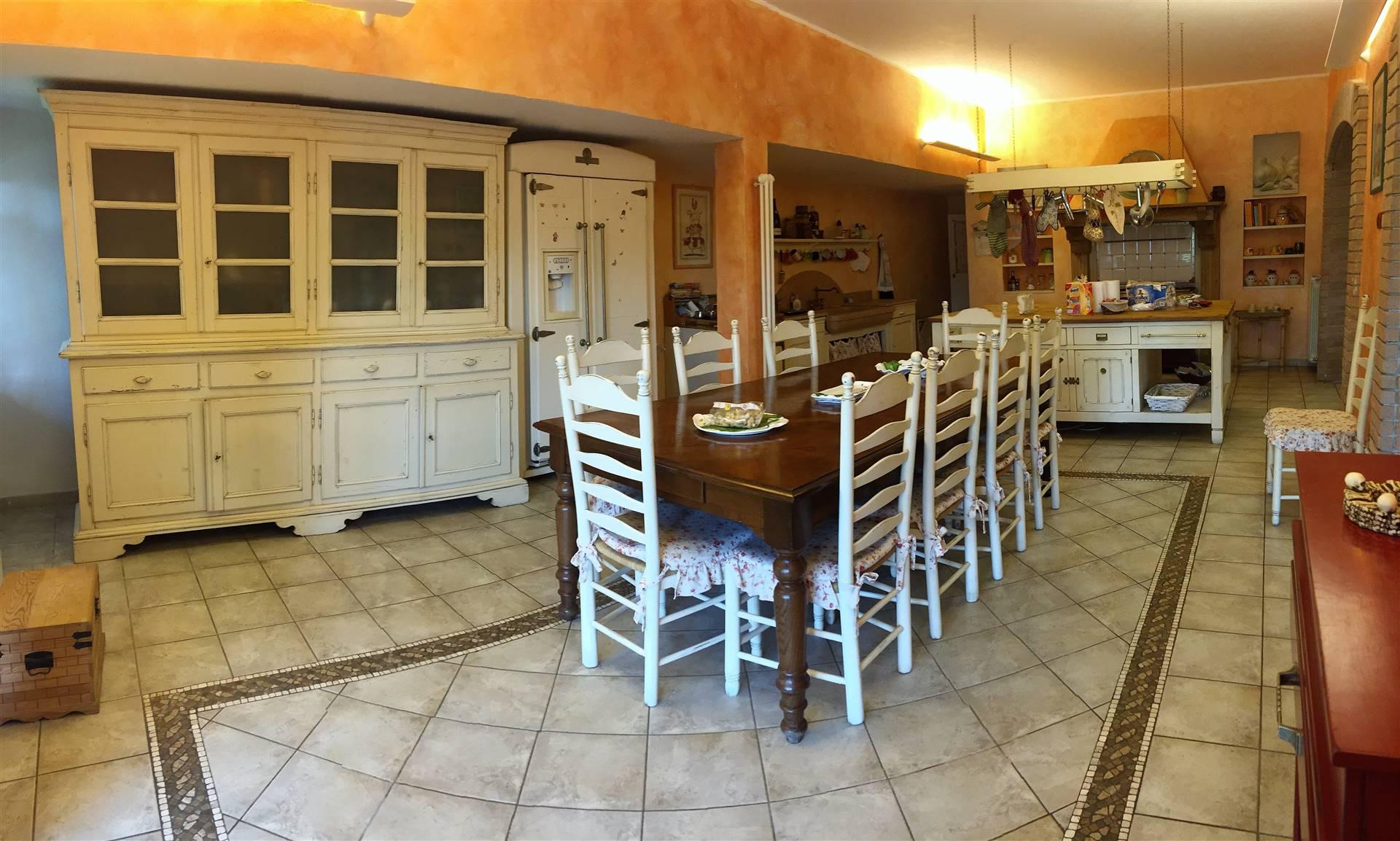 Appartamento in vendita a Riccò del Golfo di Spezia, 9 locali, zona erara, Trattative riservate   PortaleAgenzieImmobiliari.it