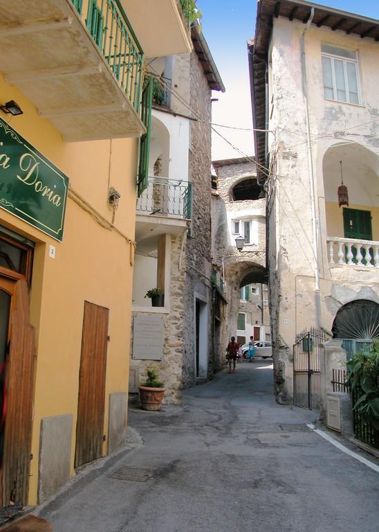 Appartamento in vendita a Dolceacqua, 3 locali, prezzo € 160.000 | PortaleAgenzieImmobiliari.it