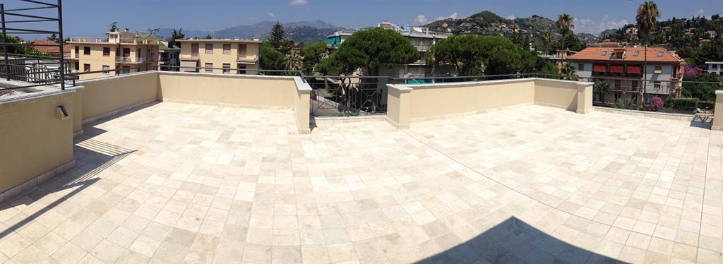 Attico / Mansarda in vendita a Bordighera, 4 locali, prezzo € 750.000 | PortaleAgenzieImmobiliari.it