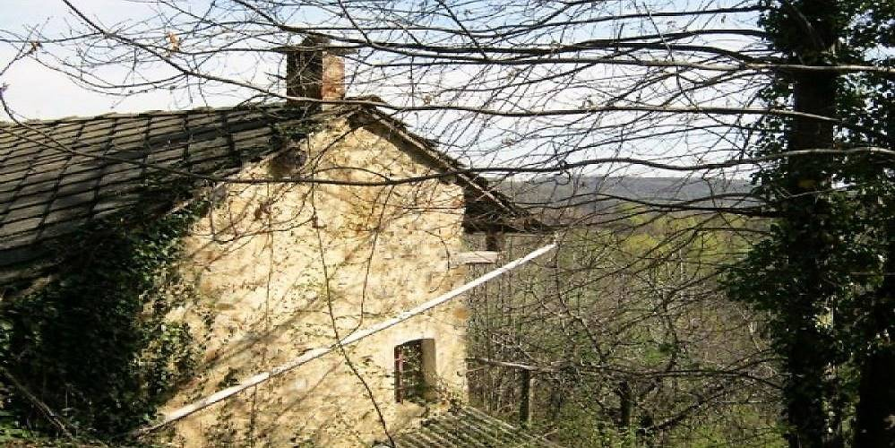 Rustico / Casale in vendita a Rueglio, 4 locali, prezzo € 60.000 | CambioCasa.it