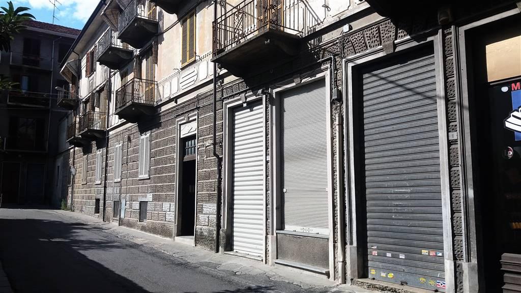 Negozio / Locale in affitto a Ivrea, 2 locali, prezzo € 500 | CambioCasa.it