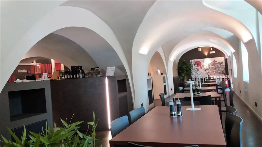 Immobile Commerciale in vendita a Ivrea, 2 locali, prezzo € 290.000 | CambioCasa.it