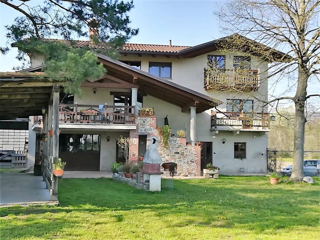 Soluzione Indipendente in vendita a Bollengo, 6 locali, prezzo € 350.000 | PortaleAgenzieImmobiliari.it