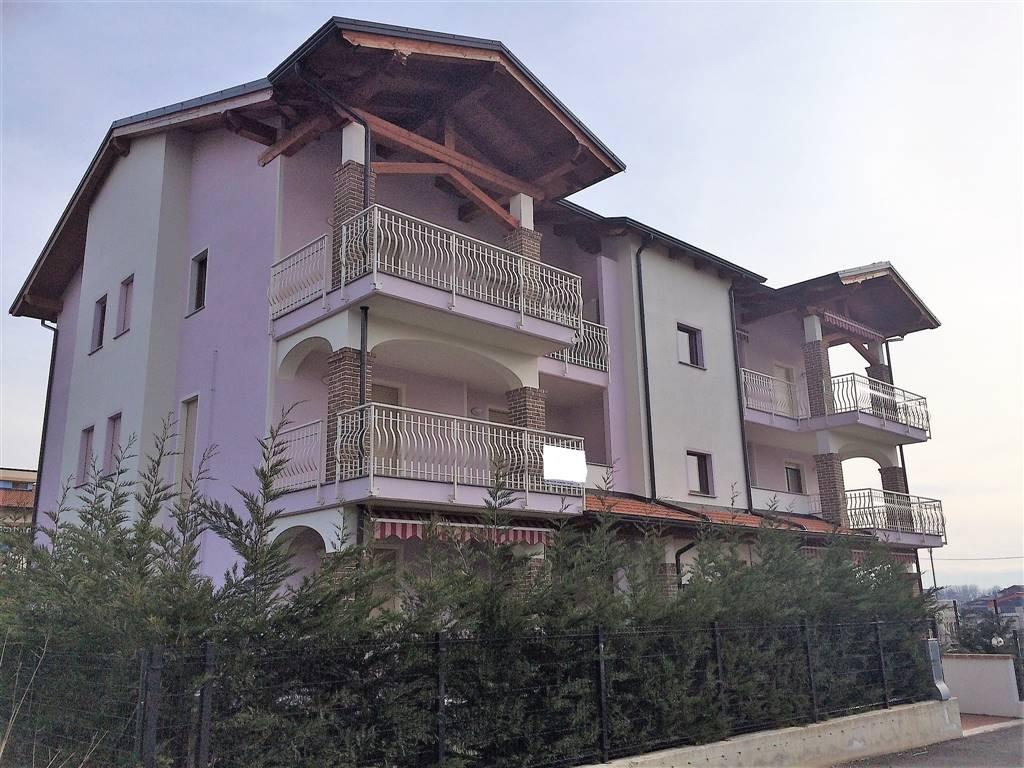 Appartamento in vendita a Ivrea, 3 locali, zona Località: IVREA, prezzo € 136.000 | CambioCasa.it