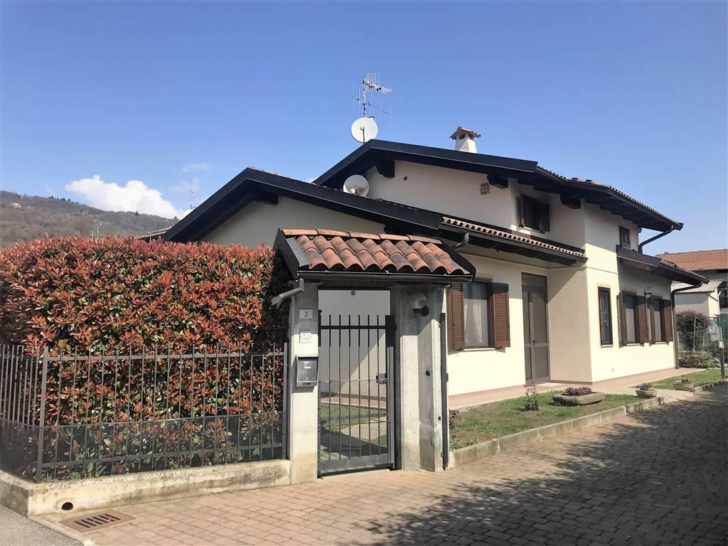 Villa in vendita a Loranzè, 8 locali, prezzo € 245.000 | CambioCasa.it