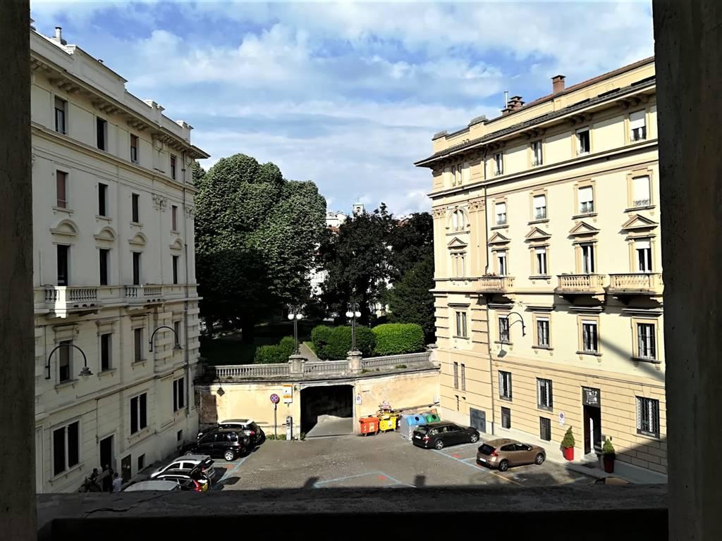 Appartamento in affitto a Ivrea, 5 locali, prezzo € 550 | CambioCasa.it