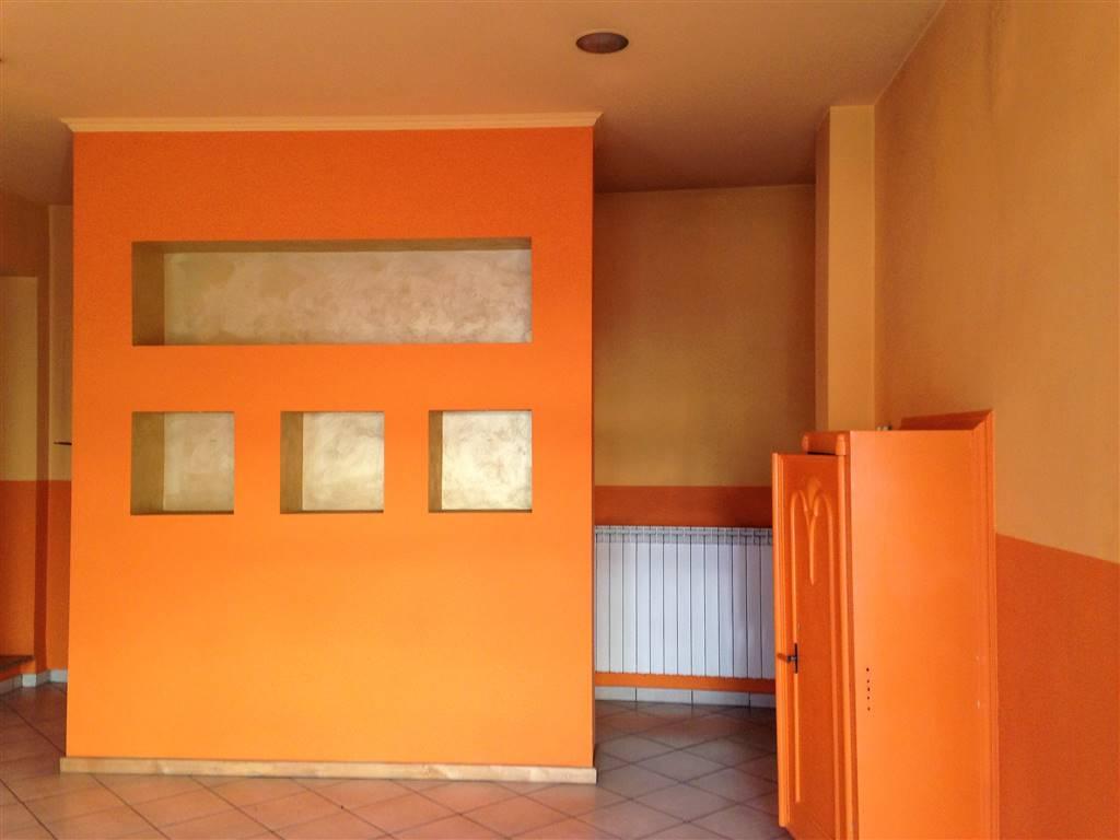Negozio / Locale in vendita a Ivrea, 2 locali, prezzo € 80.000 | CambioCasa.it