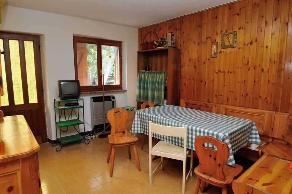 Appartamento in vendita a Chatillon, 3 locali, prezzo € 50.000 | CambioCasa.it