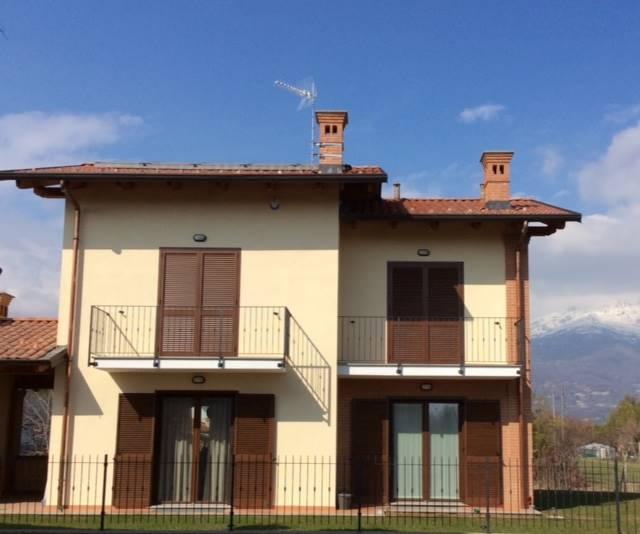 Villa in vendita a Valperga, 5 locali, prezzo € 250.000 | CambioCasa.it
