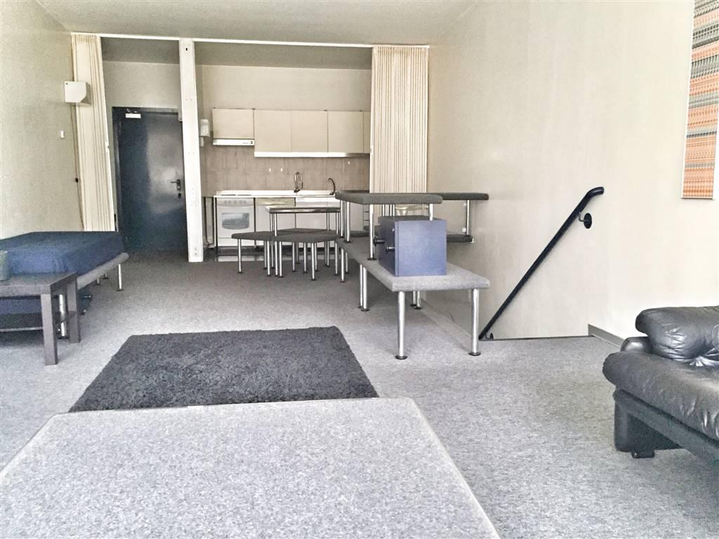 Appartamento in affitto a Ivrea, 2 locali, prezzo € 450 | CambioCasa.it