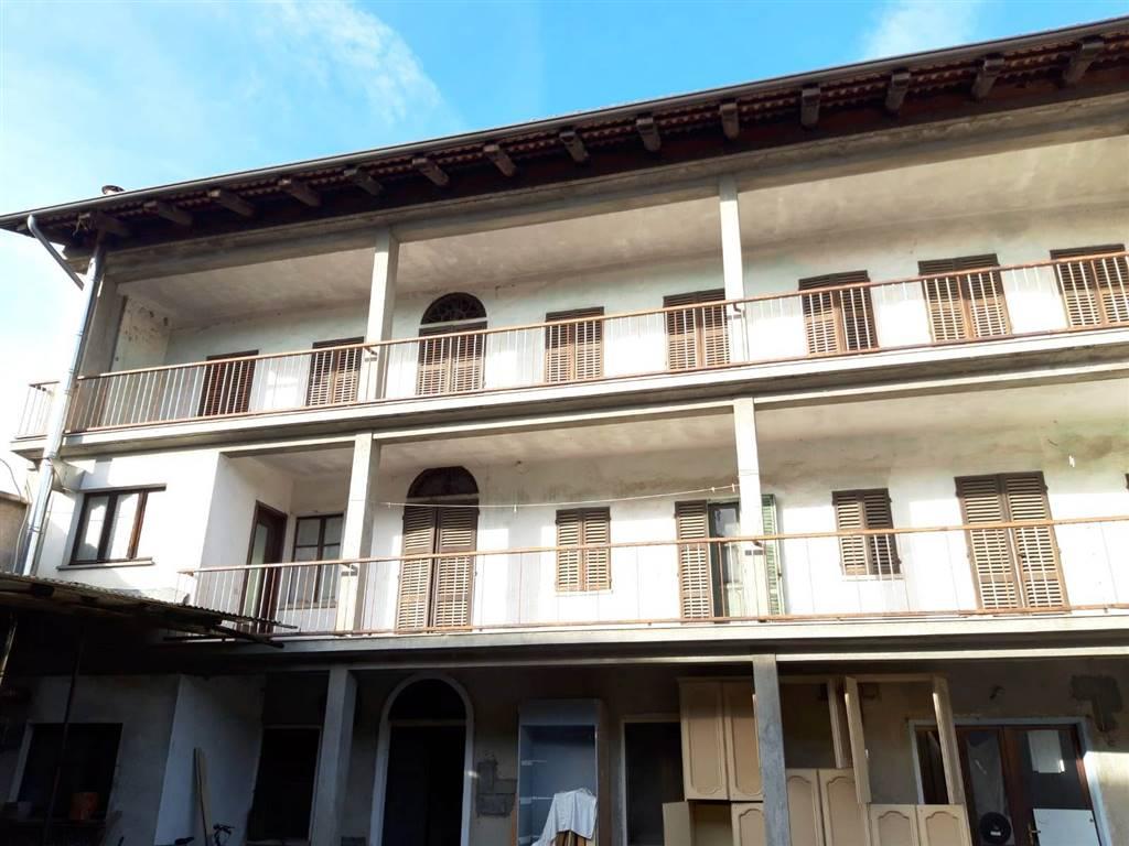 Casa semi indipendente in Via Commendator Vachino 19, Settimo Rottaro