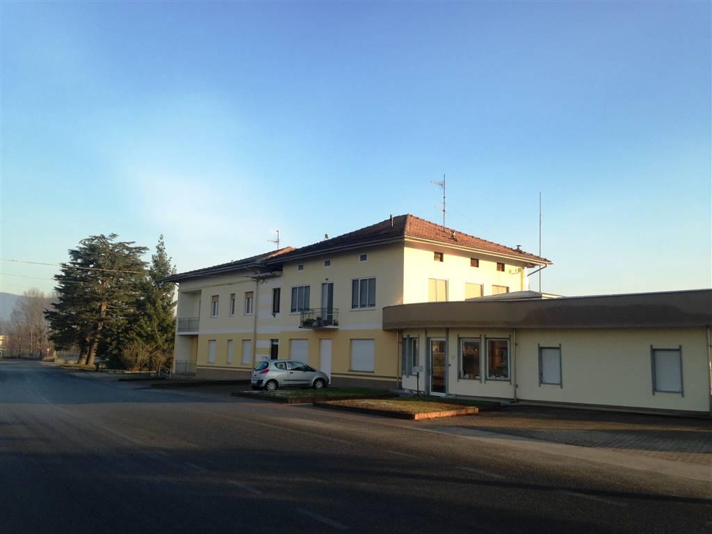 Appartamento in affitto a Ivrea, 3 locali, prezzo € 350 | CambioCasa.it