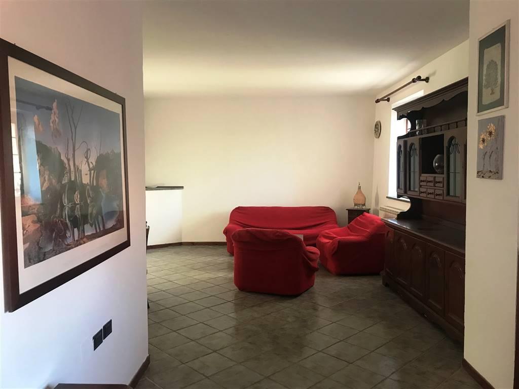 Appartamento in affitto a Ivrea, 4 locali, prezzo € 500   CambioCasa.it