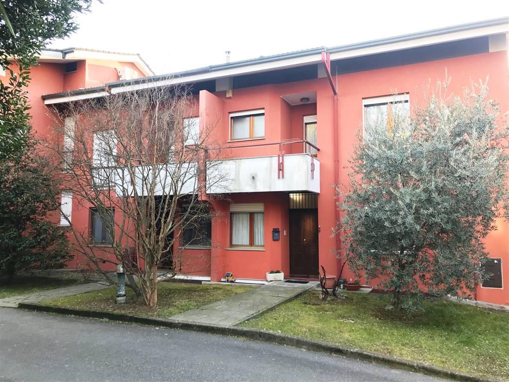 Villa in vendita a Banchette, 8 locali, prezzo € 239.000 | CambioCasa.it