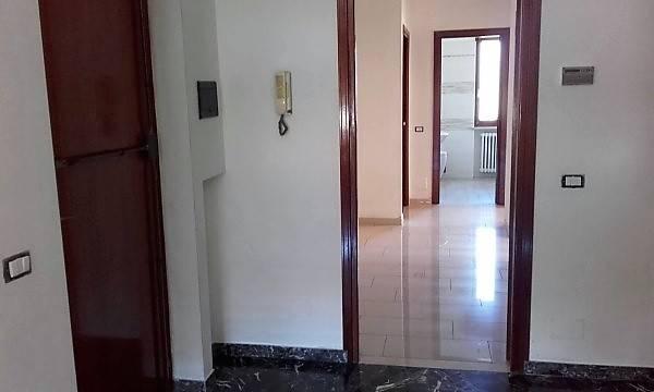 Appartamento in affitto a Loranzè, 4 locali, prezzo € 500 | CambioCasa.it