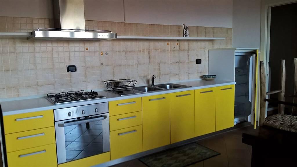 Attico / Mansarda in affitto a Parella, 2 locali, prezzo € 300 | PortaleAgenzieImmobiliari.it