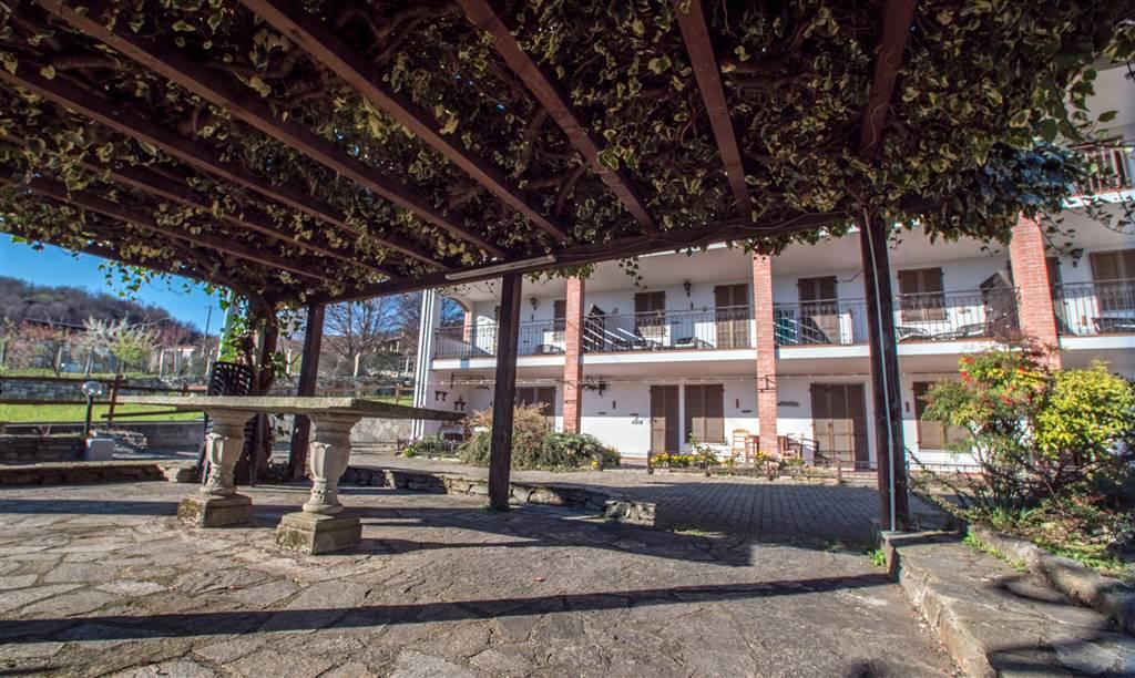 Rustico / Casale in vendita a Chiaverano, 18 locali, prezzo € 330.000 | CambioCasa.it