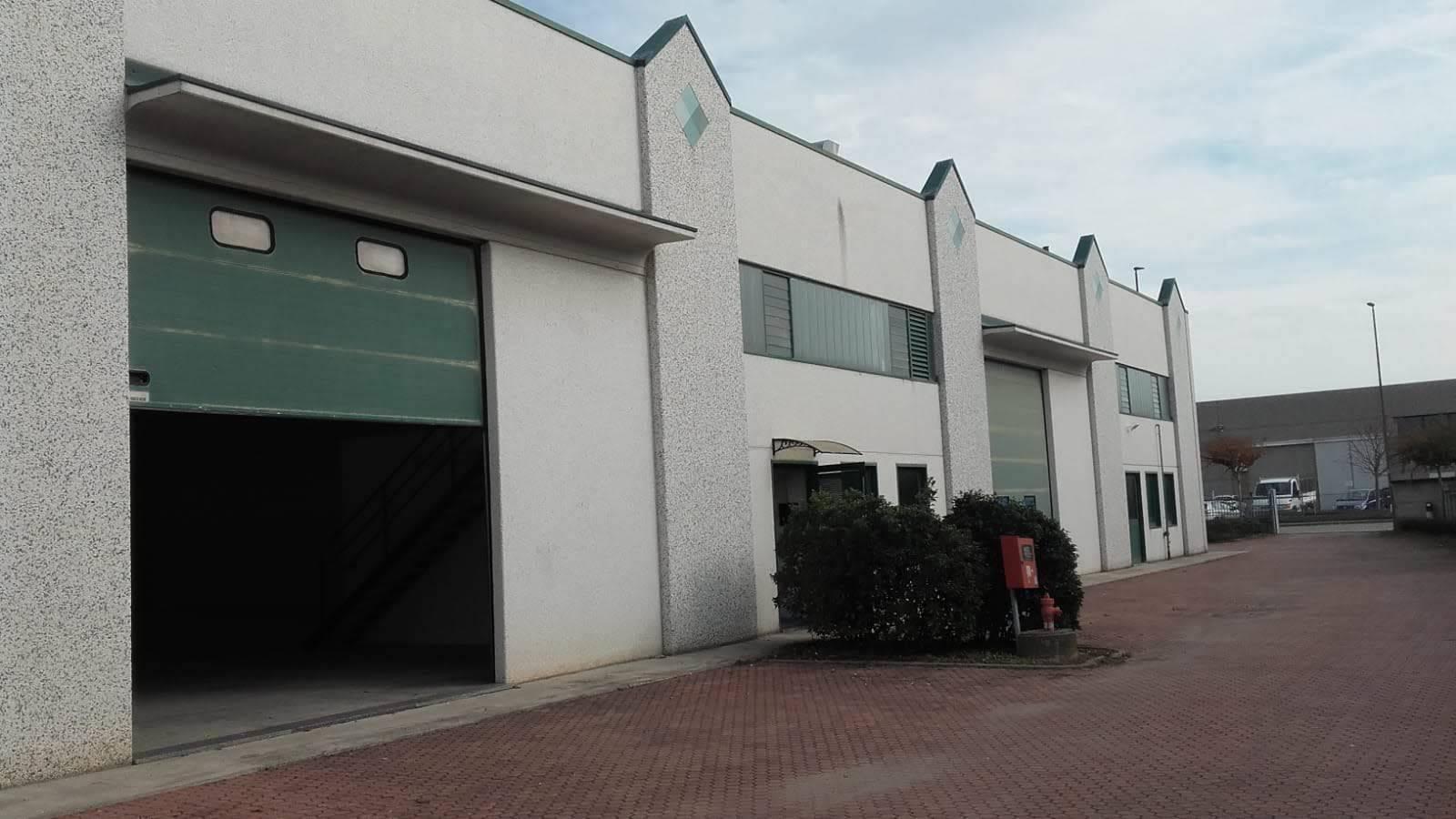 Immobile Commerciale in affitto a Bollengo, 2 locali, prezzo € 1.150   PortaleAgenzieImmobiliari.it