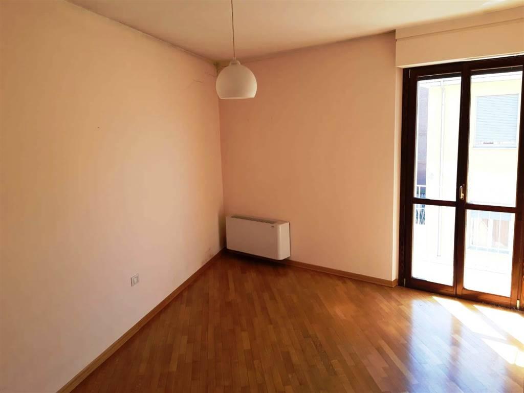 Appartamento in vendita a Ivrea, 3 locali, prezzo € 158.000 | CambioCasa.it
