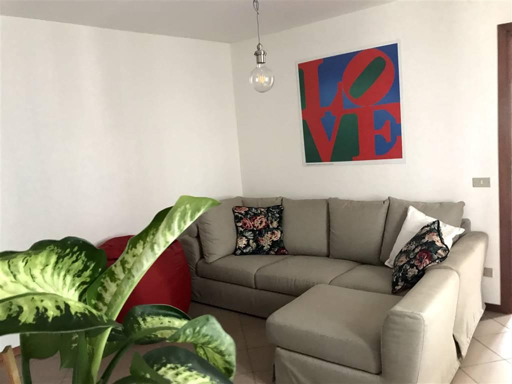 Appartamento in affitto a Borgofranco d'Ivrea, 4 locali, prezzo € 430 | PortaleAgenzieImmobiliari.it