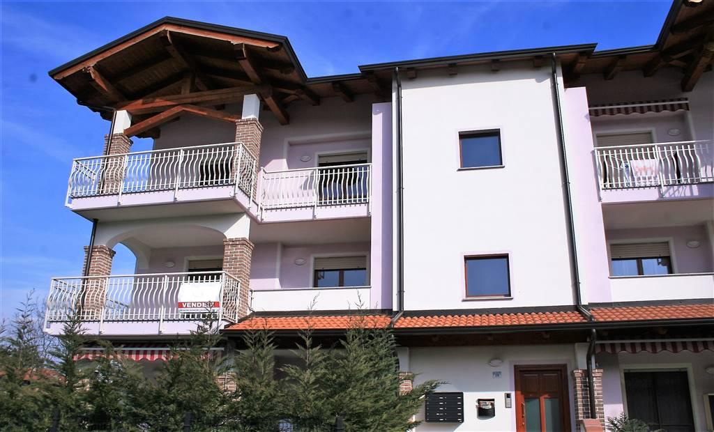 Appartamento in affitto a Ivrea, 4 locali, zona Località: SAN BERNARDO, prezzo € 600 | PortaleAgenzieImmobiliari.it
