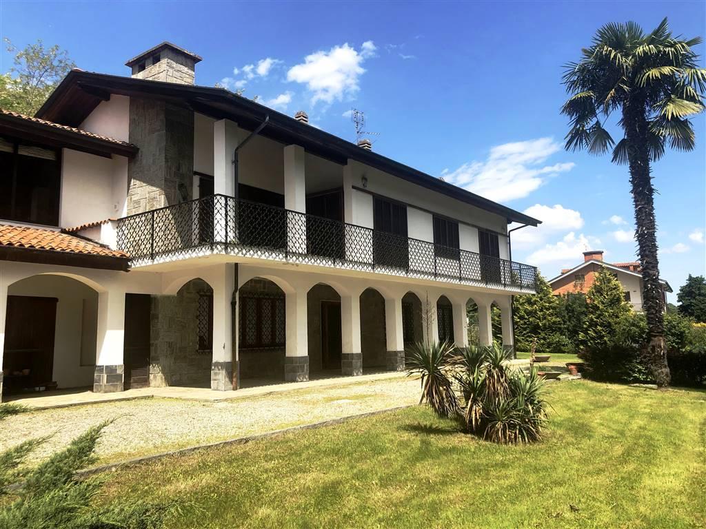 Villa in vendita a Romano Canavese, 8 locali, prezzo € 330.000 | PortaleAgenzieImmobiliari.it