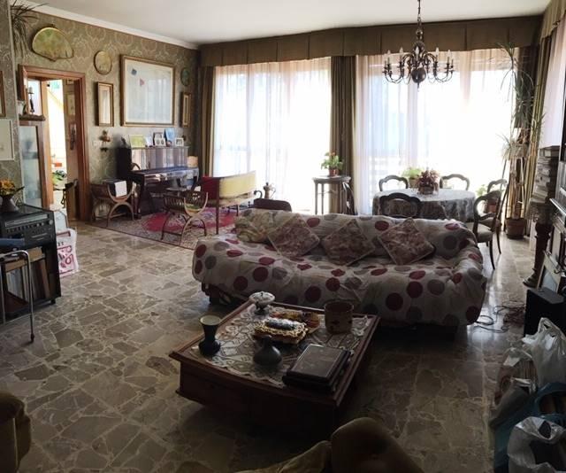 Soluzione Indipendente in vendita a Lugnacco, 12 locali, prezzo € 140.000 | CambioCasa.it