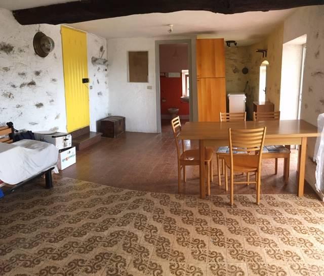 Casa singola in Via Don Martino Gedda 1, Alice Superiore