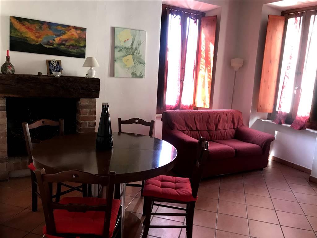 Appartamento in affitto a Ivrea, 3 locali, zona Località: CENTRO STORICO, prezzo € 400 | PortaleAgenzieImmobiliari.it
