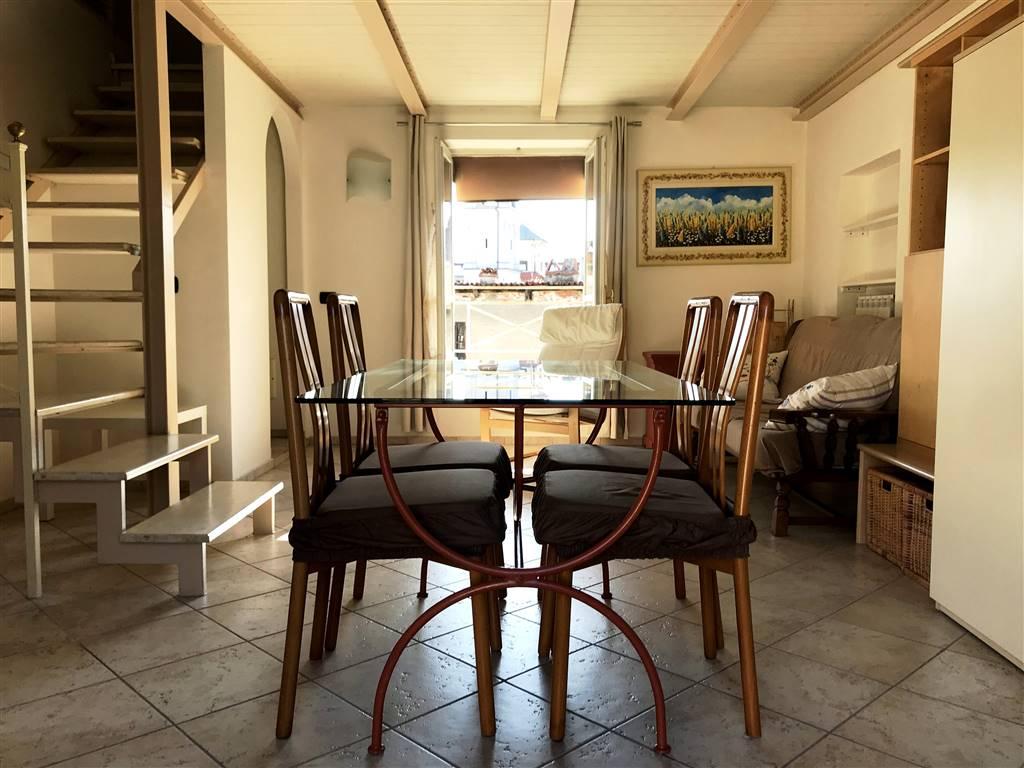 Appartamento in affitto a Ivrea, 1 locali, zona Località: CENTRO STORICO, prezzo € 400 | PortaleAgenzieImmobiliari.it