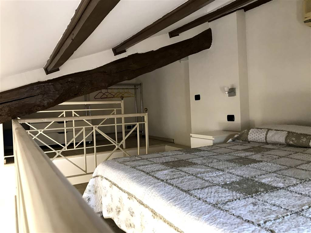 Appartamento in affitto a ivrea zona centro storico for Monolocale arredato affitto torino