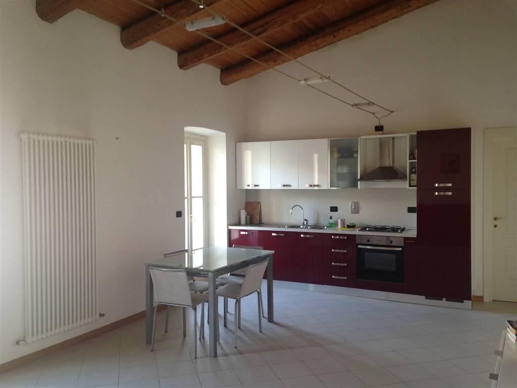 Appartamento in affitto a Ivrea, 2 locali, zona Località: CENTRO STORICO, Trattative riservate | PortaleAgenzieImmobiliari.it