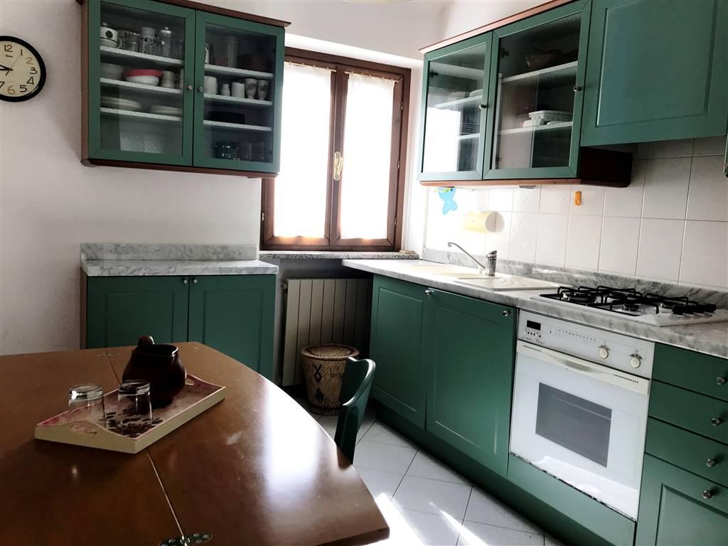 Appartamento in affitto a Ivrea, 3 locali, zona Località: CENTRO STORICO, prezzo € 350 | PortaleAgenzieImmobiliari.it