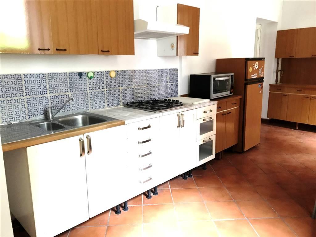 Appartamento in affitto a Ivrea, 4 locali, zona Località: CENTRO STORICO, prezzo € 450 | PortaleAgenzieImmobiliari.it