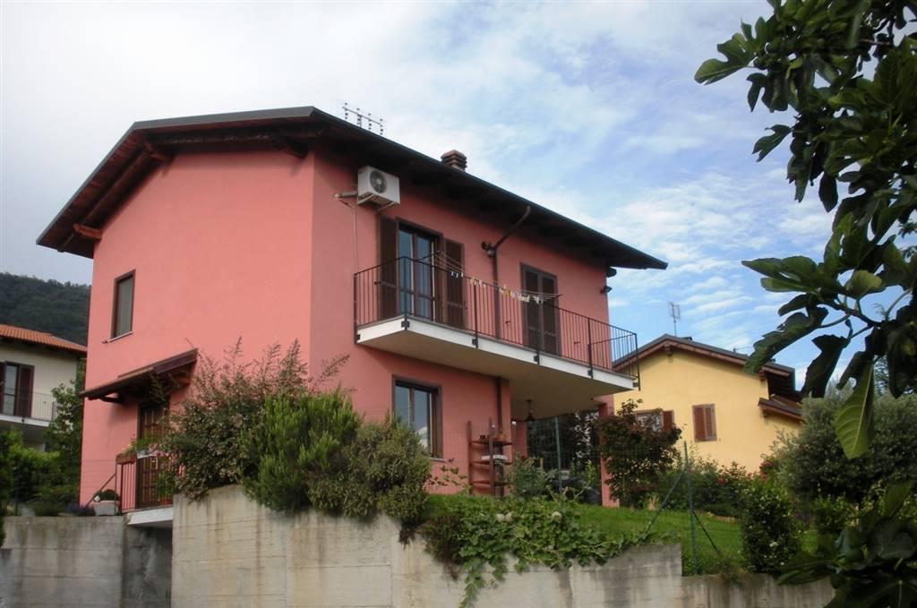 Villa in Via Bollengo 3/b, Palazzo Canavese