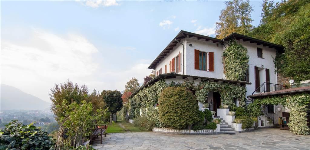 Villa, Cuorgne', ristrutturata