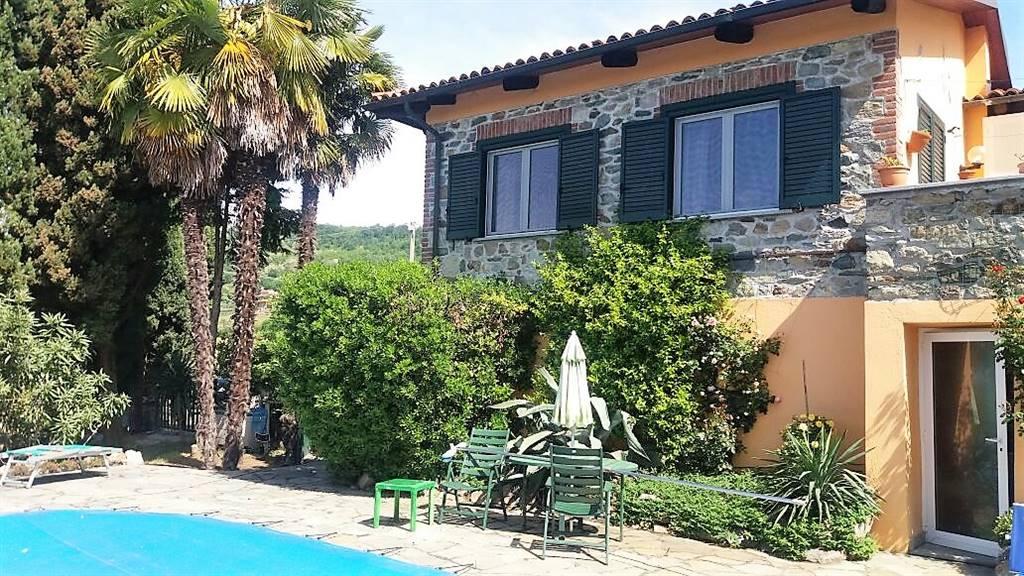 Villa in vendita a Piverone, 8 locali, prezzo € 950.000 | PortaleAgenzieImmobiliari.it
