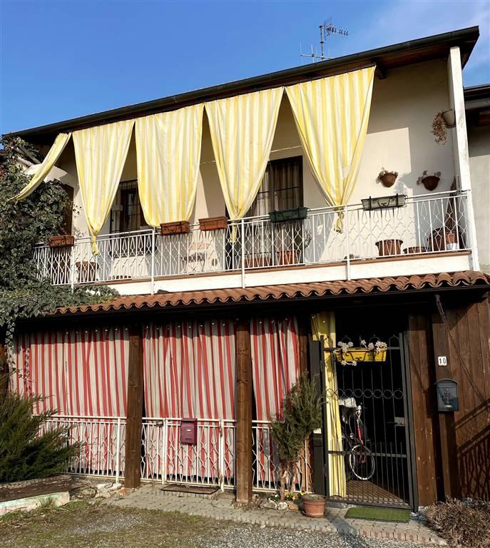Appartamento in vendita a Ivrea, 3 locali, zona Località: SAN BERNARDO, prezzo € 89.000 | CambioCasa.it