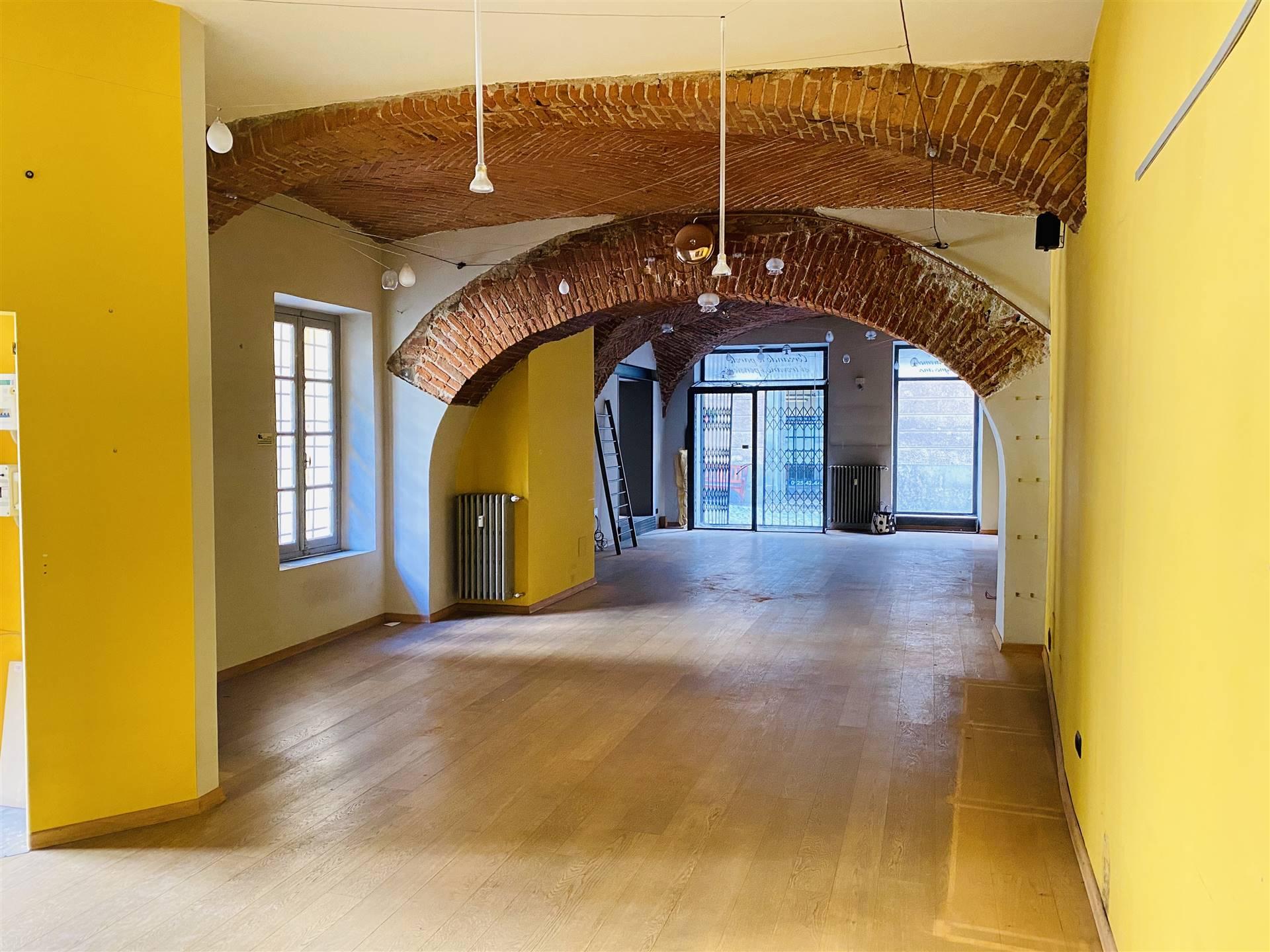 Attività / Licenza in affitto a Ivrea, 9999 locali, prezzo € 750 | PortaleAgenzieImmobiliari.it