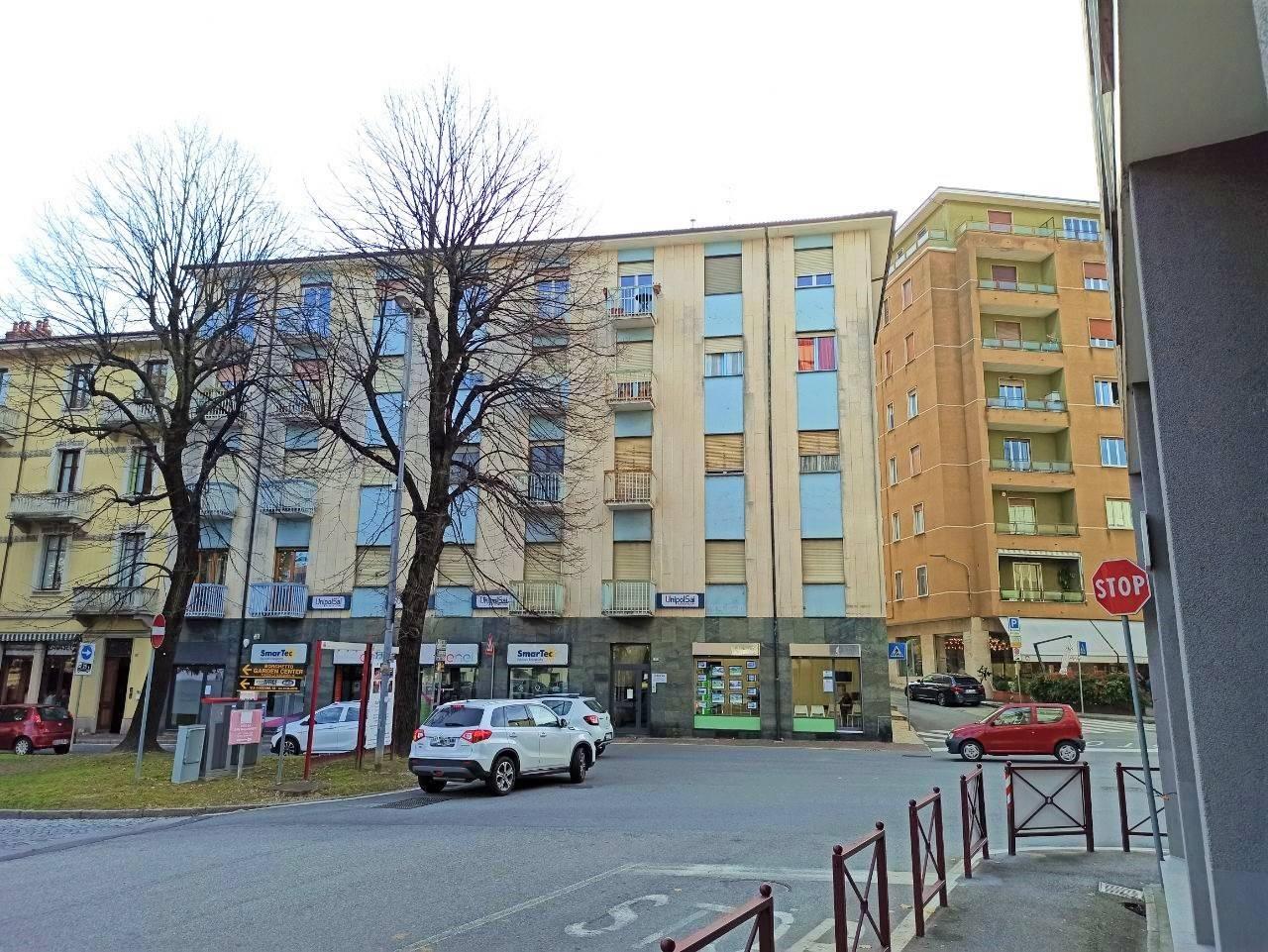 Attività / Licenza in affitto a Ivrea, 2 locali, prezzo € 550 | CambioCasa.it