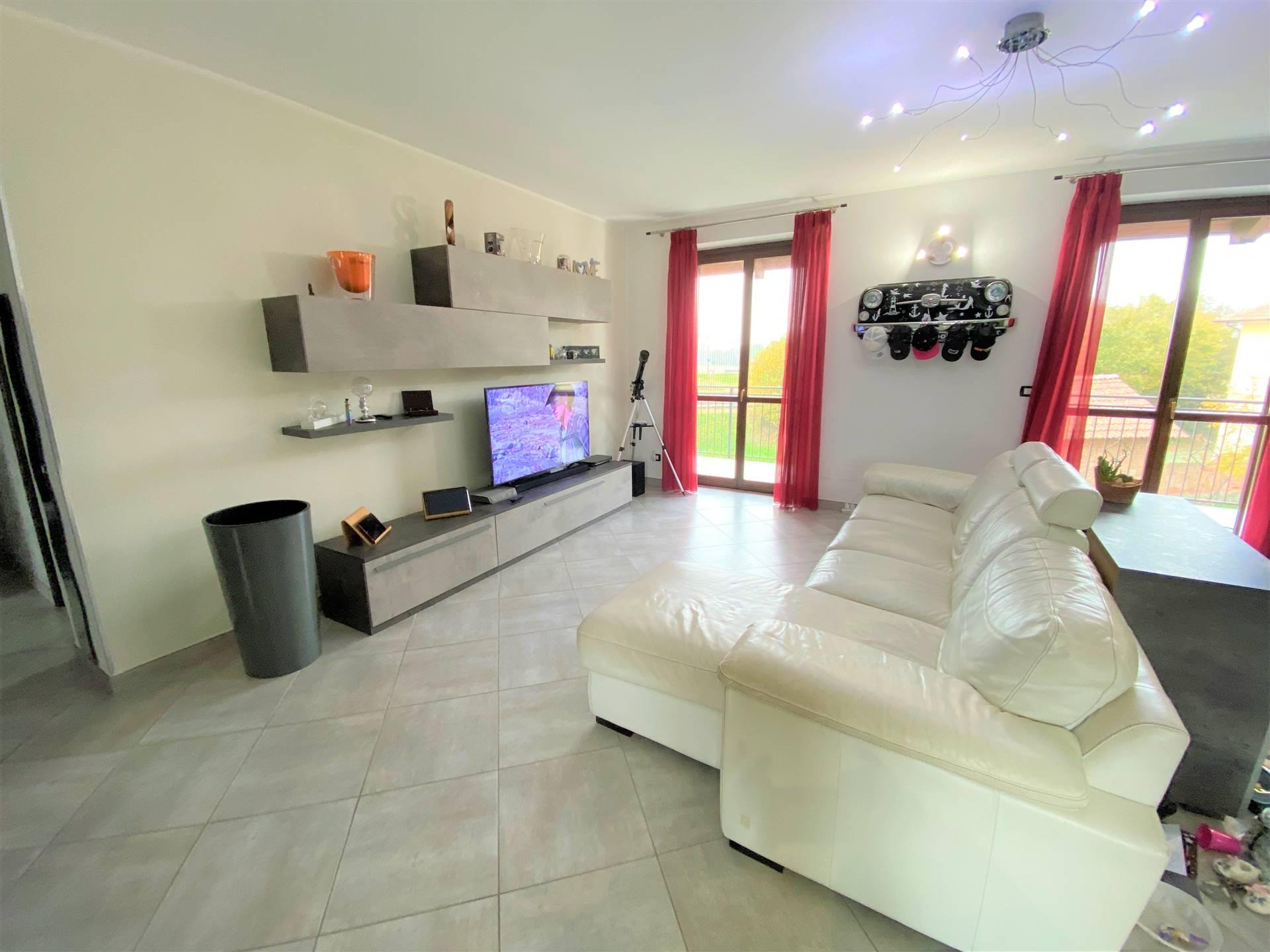Appartamento in vendita a Albiano d'Ivrea, 4 locali, prezzo € 159.000 | PortaleAgenzieImmobiliari.it