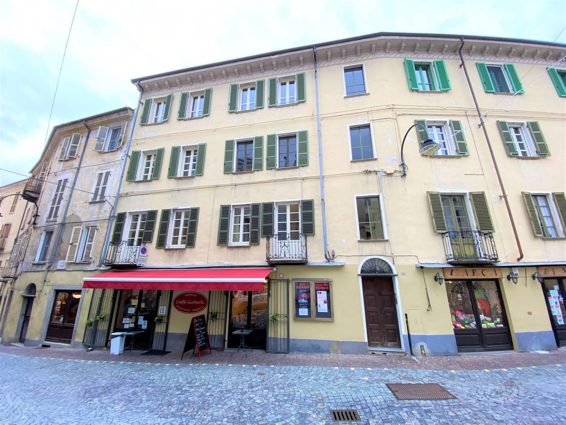 Appartamento in affitto a Ivrea, 2 locali, prezzo € 550 | PortaleAgenzieImmobiliari.it